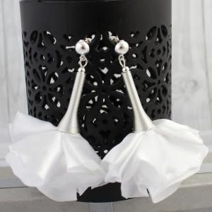 Duże Kolczyki Materiałowe Kwiaty Silk Białe