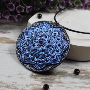 Duży wisiorek Mandala w odcieniach błękitu