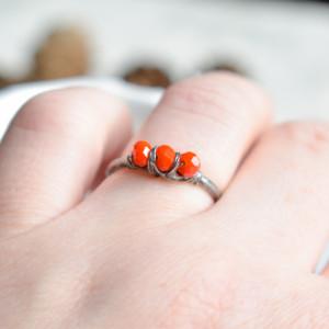 Dynia - pierścionek ze szklanymi kryształkami