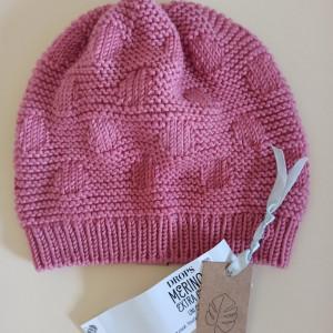 Dziecięca czapka w kropki - merino, róż