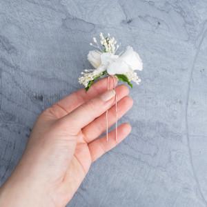 Ekskluzywne ślubne kwiatowe ozdoby do włosów biel4
