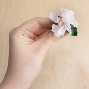Ekskluzywne ślubne kwiatowe ozdoby do włosów róż1