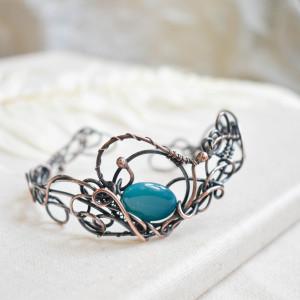 Fale - bransoletka z miedzi z niebieskim agatem