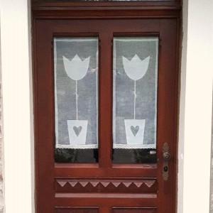firanka transparentna lniana z tulipanami