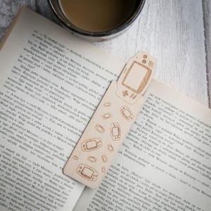 Game Boy Advanced - zakładka do książki, drewno