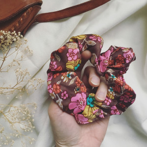 Gumka frotka floral kolor
