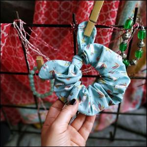 Gumki do włosów - kolorowe scrunchies