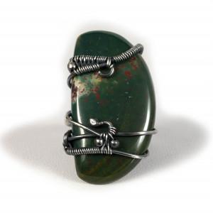 Heliotrop srebrny pierścionek z kamieniem krwistym