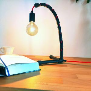 Helix - nowoczesna industrialna lampa biurkowa