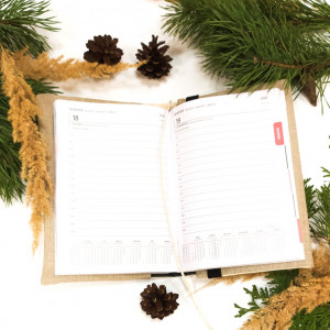 Kalendarz z lnianą okładką