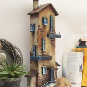 Kamienica - drewniany domek dekoracyjny