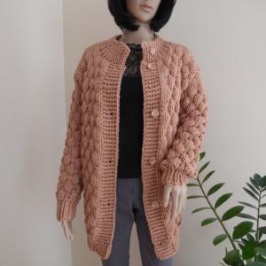Karmelowy sweter rozpinany