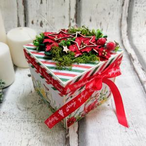 Karta świąteczna w form pudełka
