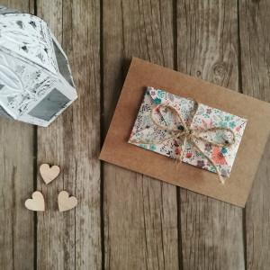 Karta z kopertą w jesienną łąkę rustykalna