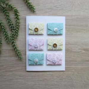 Karta z kopertami w diamenty i ornamenty