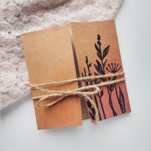 Kartka Eco z kwiatami polnymi minimalistyczna 1