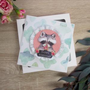 Kartka urodzinowa w pudełku szop i kwiaty