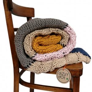 Koc dziergany patchworkowy, na drutach