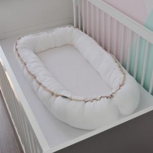 Kokon niemowlęcy muślinowy z koronką biały