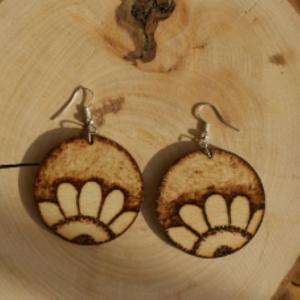 kolczyki drewniane - kwiaty
