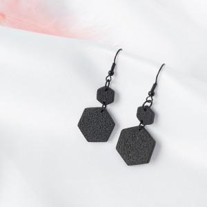 Kolczyki heksagony z kolekcji Noir