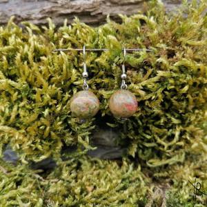 Kolczyki kamyki (zielone)