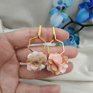 Kolczyki kwiaty ecru kremowe beż pudrowe przyjęcie