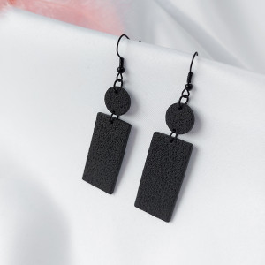 Kolczyki prostokąty z kolekcji Noir