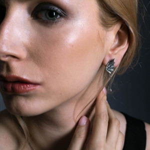 Kolczyki smocze skrzydła z apatytem na łańcuszku