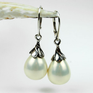 Kolczyki srebrne z perłami w kształcie kropli