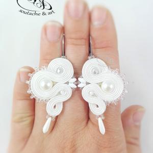 Kolczyki sutasz białe z perłami ślubna biżuteria