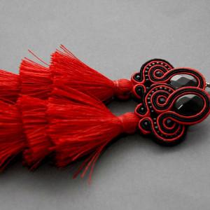 kolczyki sutasz z potrójnym czerwonym chwostem