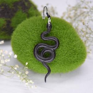 Kolczyki Węże - faktura skóry węża czerń 02