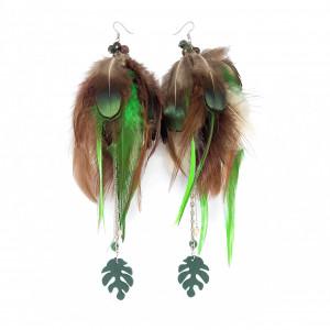 Kolczyki z piórami i monsterą leśne etniczne boho