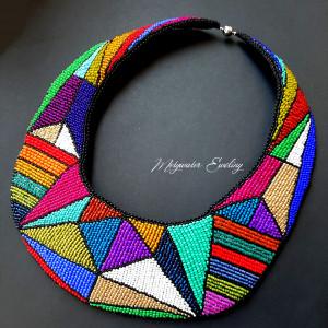 kolor w powiększeniu naszyjnik
