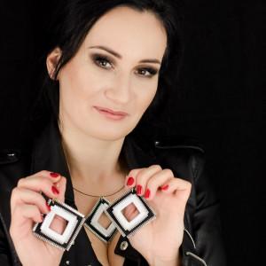 Komplet biżuterii biało-czarne kwadraty