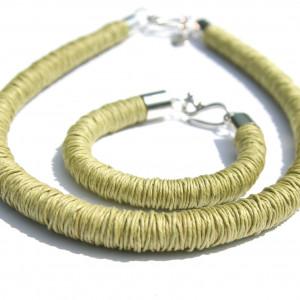 Komplet lniany oliwkowy- modny minimalizm 2