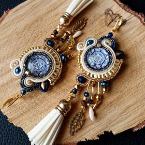 Kremowo-złote kolczyki z niebieskimi dodatkami