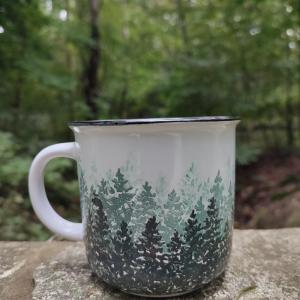 Kubek ceramiczny ręcznie malowany las