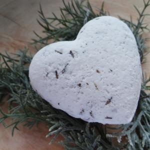 Kula do kąpieli w kształcie serca Lawenda