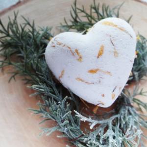 Kula do kąpieli w kształcie serca Nagietek