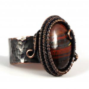 Kwarc, Miedziany pierścionek z tygrysim okiem