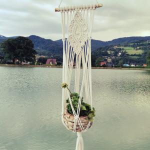 Kwietnik ze sznurka wiszący makrama boho 3