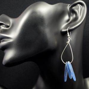 Kyanit, srebrne kolczyki z kyanitem niebieskie