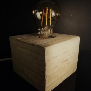 Lampa betonowa CUBE