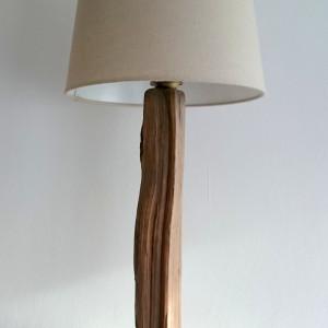 Lampa z drewna z morza nr 33 - Na pniu