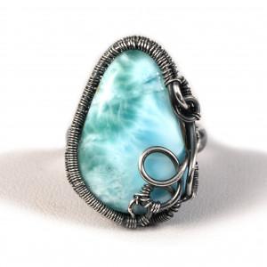 Larimar, Srebrny pierścionek z larimarem niebieski