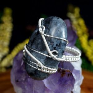 Larvikit, Srebrny pierścionek z Larvikitem roz.12