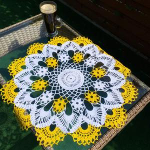 Letnia kwiatowa serweta
