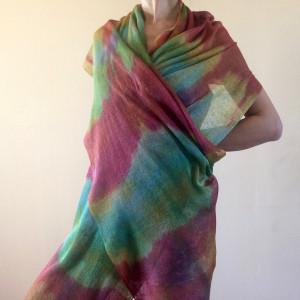 Lniany szal w kolorach tęczy